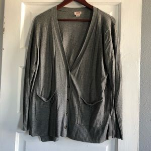 Gray button cardigan with pockets